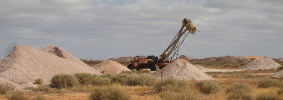 opal mining equipment near Coober Pedy