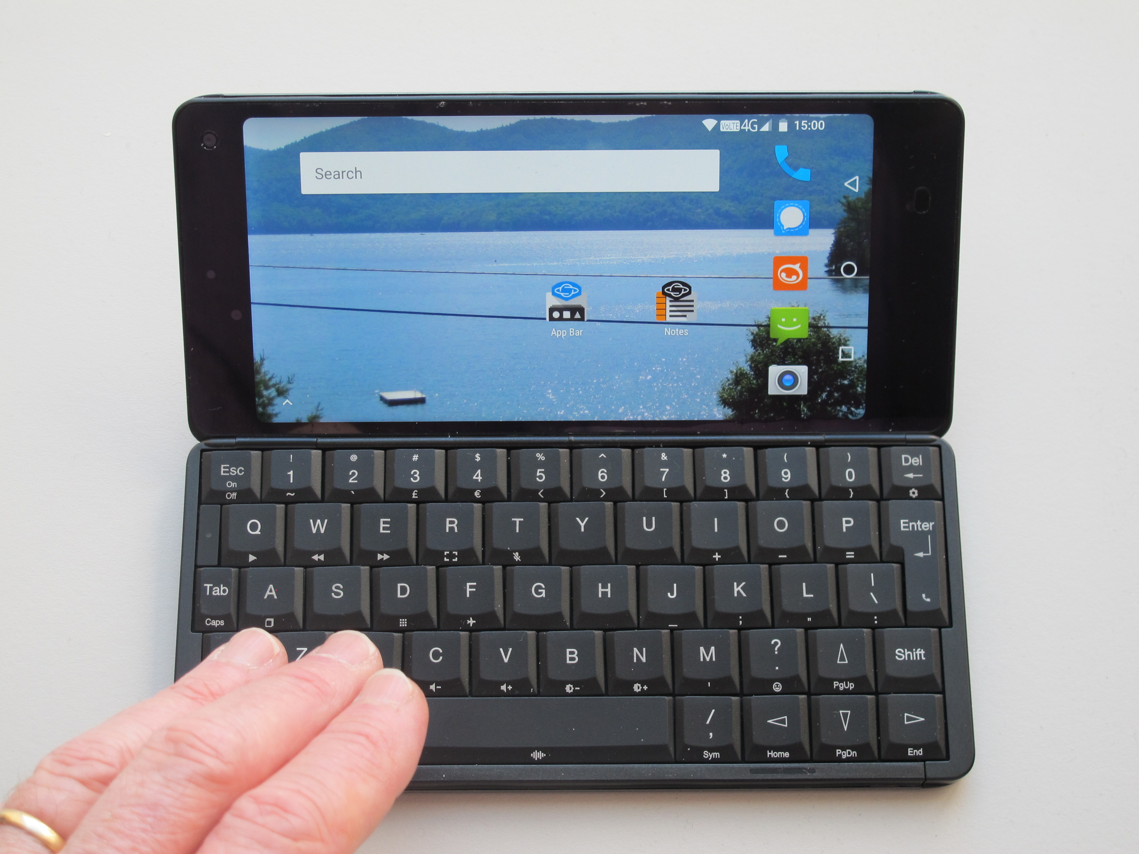 The Practical Nomad blog: A review of the Gemini PDA